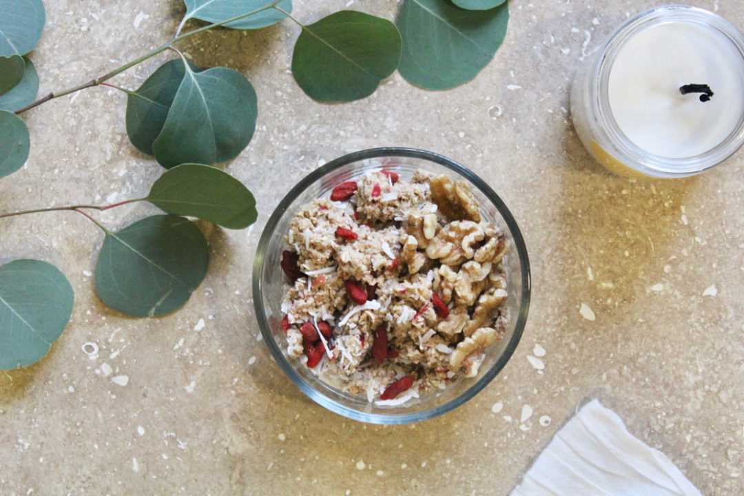 Raw-Apple-Walnut-Oatmeal