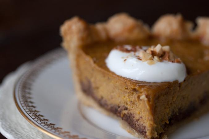 Spice-kissed Pumpkin Pie by 101 Cookbook