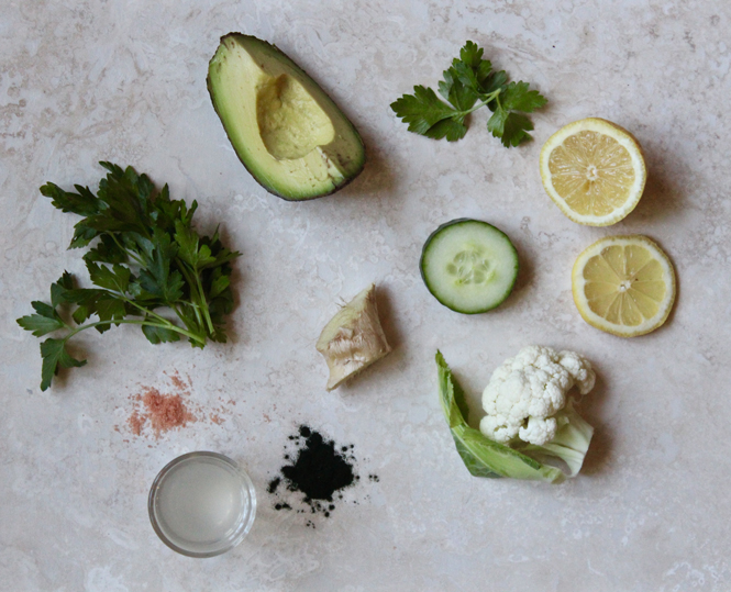Low-calorie, low-sugar green smoothie ingredients for cleansing