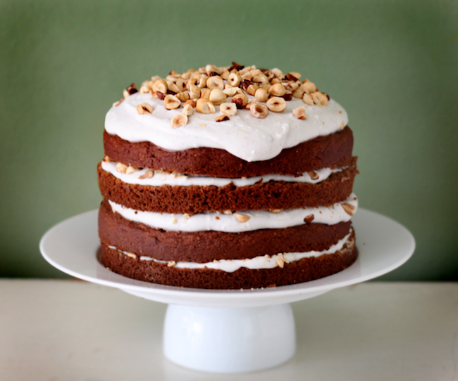 pumpkin-spice-cake-healthy-vegetarian-thanksgiving-recipes