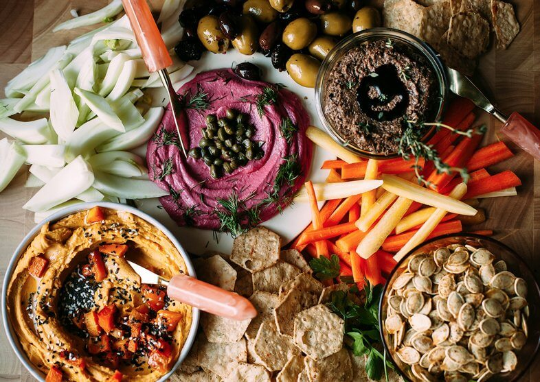 vegan-appetizer-plate-Thanksgiving