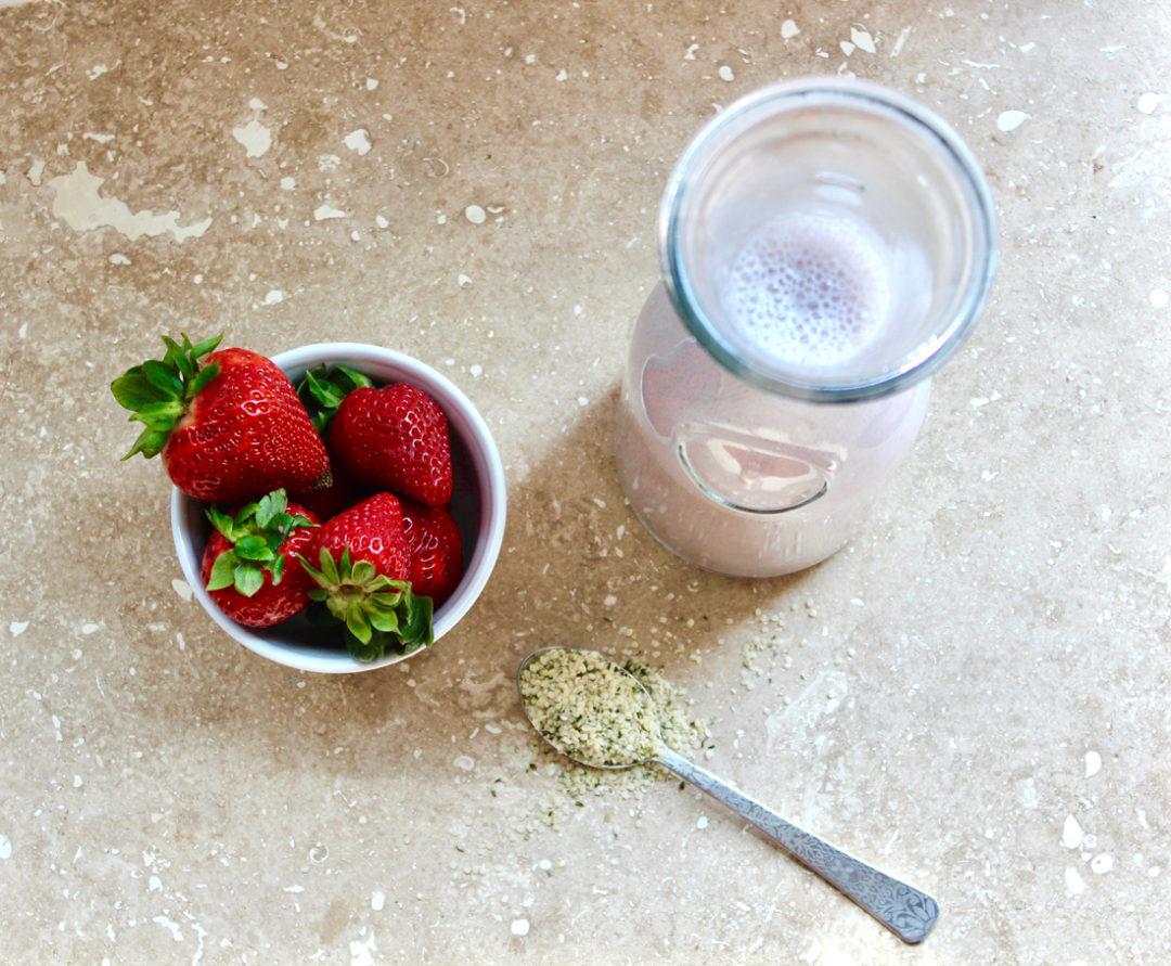 omega-3-rich-homemade strawberry-hemp-milk recipe-great for kids and children