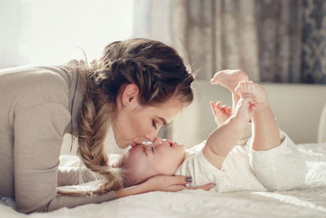 10-essential-post-pregnancy-momma-snacks